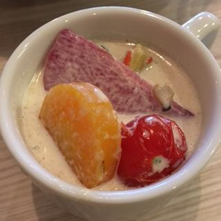 鶏肉と有機野菜のクリームシチュー