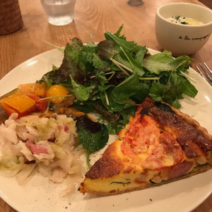 季節野菜のチーズキッシュプレート