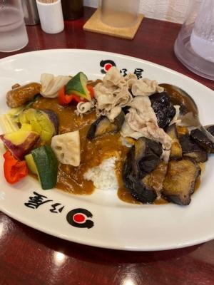 たっぷり茄子と豚バラカレー890円+ゴロゴロ野菜トッピング200円