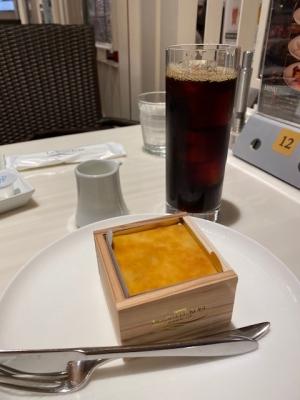 酒粕のチーズケーキとアイスコーヒー