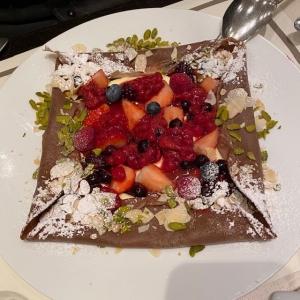 ベリーベリーチョコレートクレープ