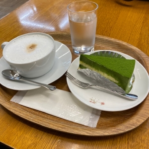 カプチーノと抹茶チーズケーキ