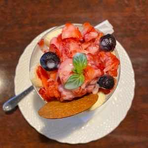 けずり苺パフェ
